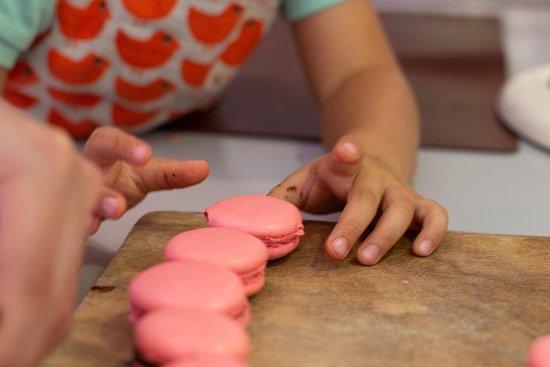 Enfants dans la cuisine - MaCaRoN