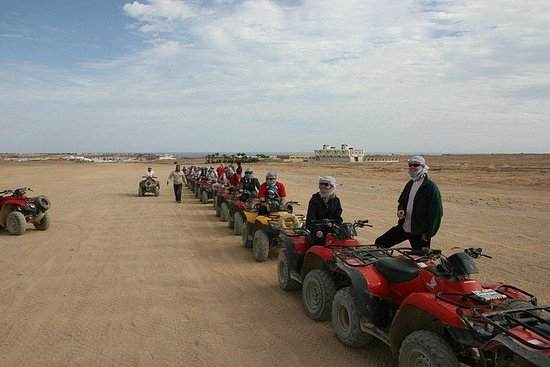 Desert Safari tur med Quad Bike i...