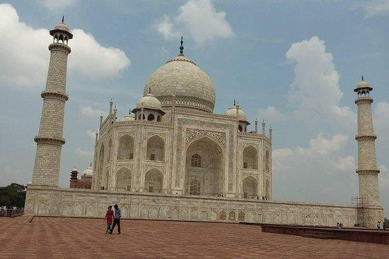 Tour della Corona dell'India: gita di un giorno ad Agra Taj Mahal: Crown of India Tour: Day trip to Agra Taj Mahal