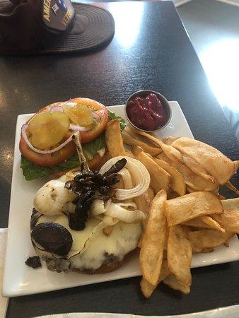 cheeseburger with kewl fries