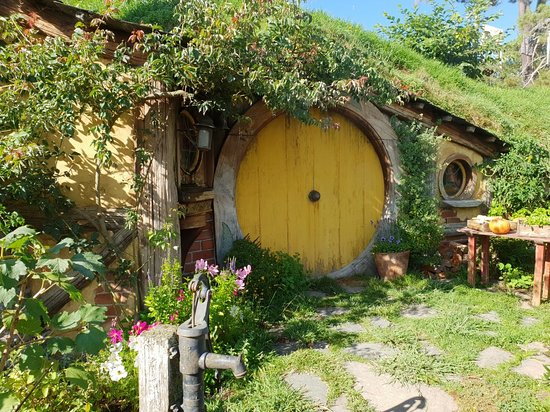 Foto Hobbiton™ Movie Set 2-Hour Walking Tour from Shires Rest