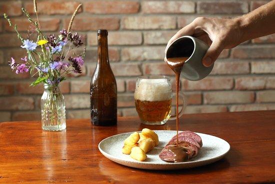Strakonice, Czech Republic: Elegance tradiční kuchyně