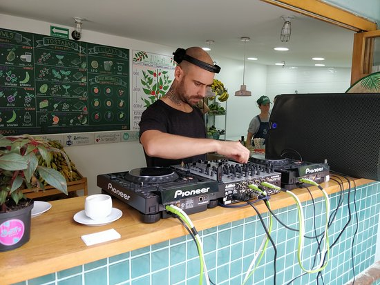 Betty's Music Brunch: @lucato2 on decks