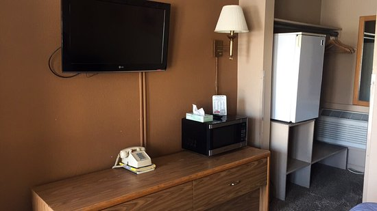 East Grand Forks, มินนิโซตา: Rooms include microwave, refrigerator, cable tv, free wi-fi
