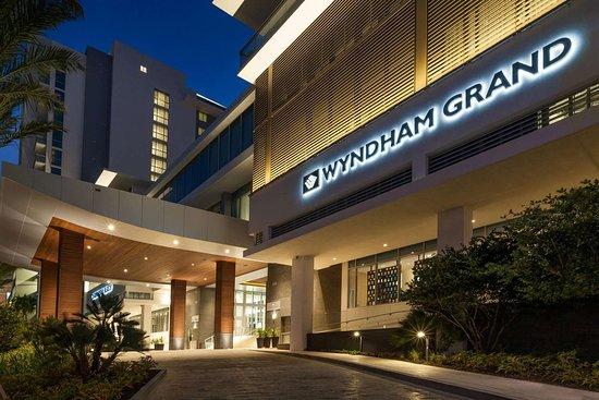 Wyndham Grand Clearwater Beach: Exterior