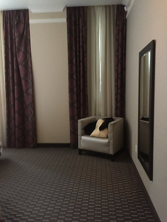 Embassy Suites by Hilton St. Louis - Downtown: Room 551; corner of the bedroom with even higher ceilings than the rest of the suite