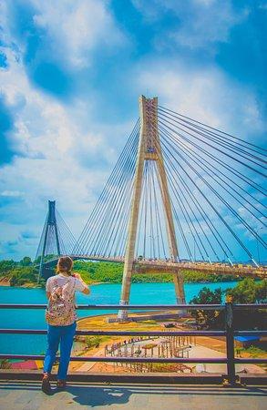 With beautiful Bareleng Bridge