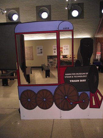 Hamilton Museum of Steam & Technology: CANADA - HAMILTON - MUSEUM OF STEAM & TECH #4 - CARDBOARD TRAIN ENGINE