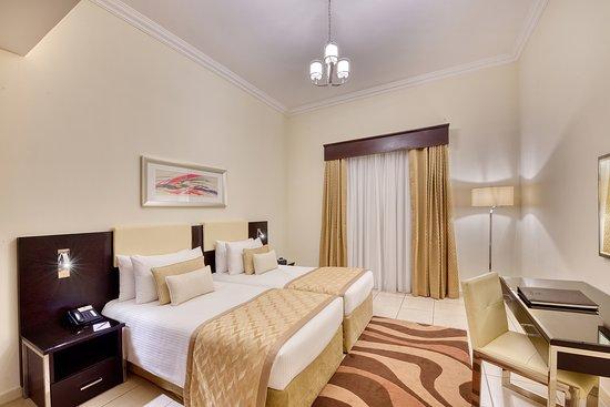 Pearl Marina Hotel Apartments Photo