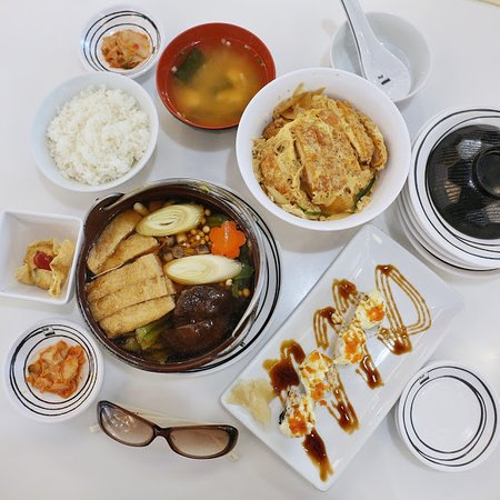 Fuji Japanese Restaurant - Jungceylon Patong: 水準麻麻