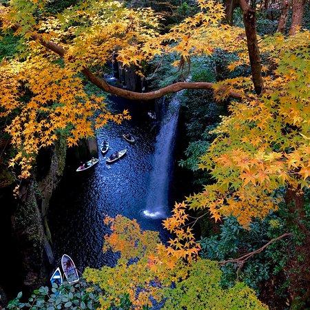 Takachiho-cho, Japan: 紅葉の高千穂峡♫