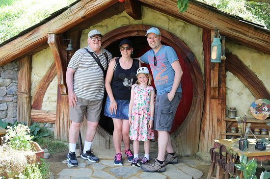 Hobbiton™ Movie Set 2-Hour Walking Tour from Shires Rest: Bilbo's house