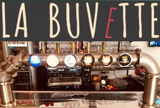 Argelès-Gazost, France : La Buvette est ouverte tous les soirs jusqu'a 2H00 du mat avec bon humeur et bon son