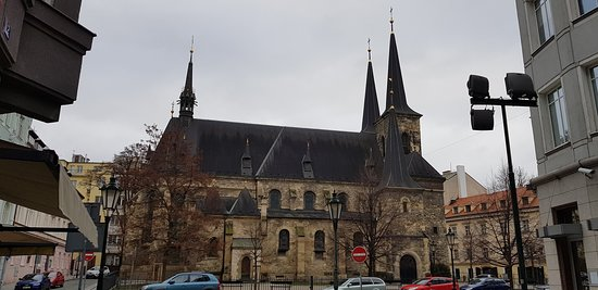Bella chiesa nei pressi della stazione