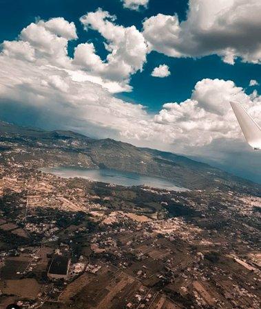 Castelli Romani, Italy: Splendida vista aerea del lago di castel Gandolfo