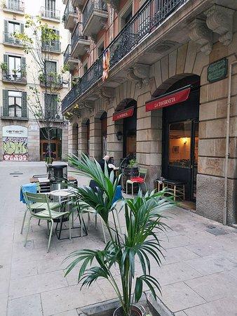 Estem al carrer Francesc Pujols 3 de Barcelona, al barri gòtic