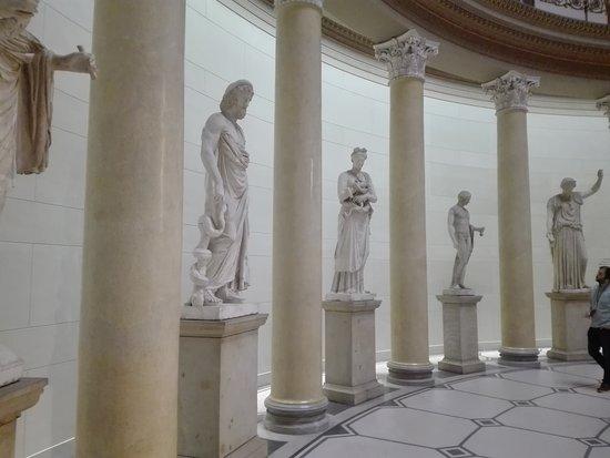 Altes Museum: Estatuas
