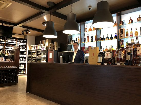 Wine Shop Decanter
