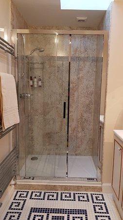 Islay bathroom