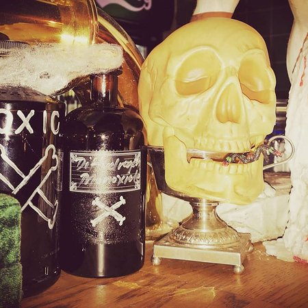 Peas & Honey Public House: Halloween goes back in time.