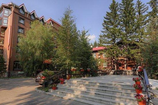 Zvezda Hotel: Exterior