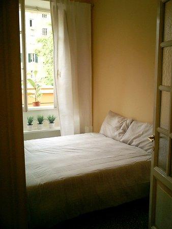 Rome Vatican Vacation Apartments: Guest room