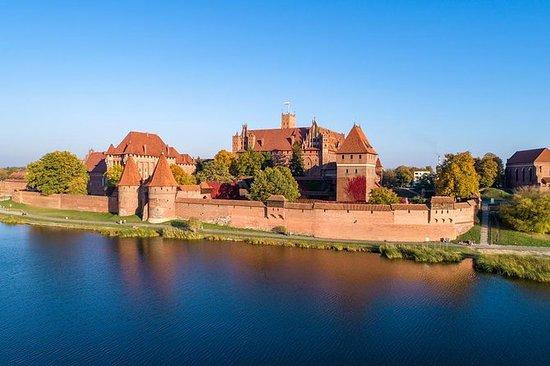 马尔堡城堡定期从格但斯克出发