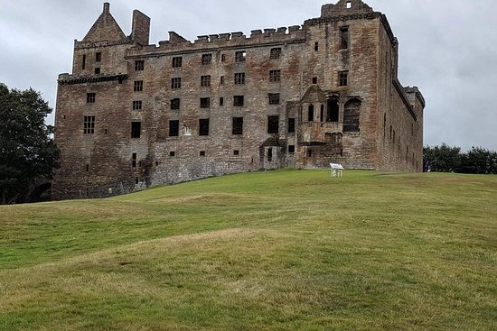 Private Mary Queen of Scots Tour with...