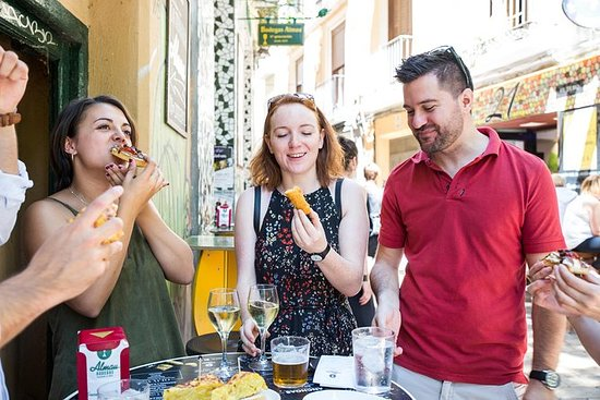 Midday market and tapas tour of...