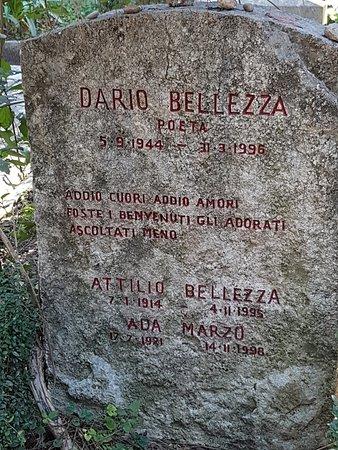 Dario Bellezza e genitori