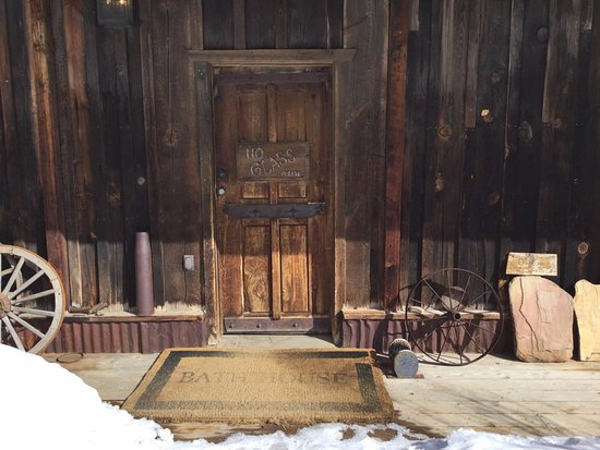 Telluride Outfitters: Front door at Dunton Hot Springs! We had a delightful lunch!