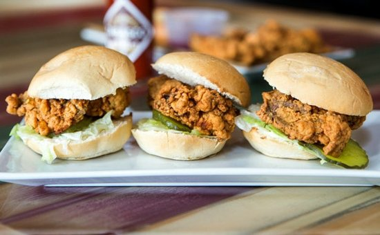 Whiskey Biscuit Bar & Grill: Oyster Sliders