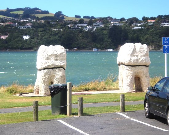 Harbour Molars: $10,000 each for these six molars?  Must have had last minute year end city budget money to burn!