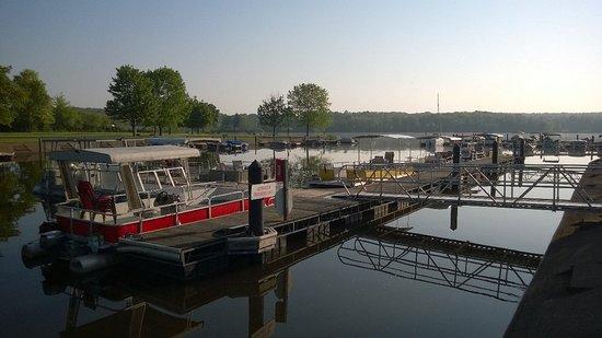 Lake Wilhelm Marina & Snack Shop