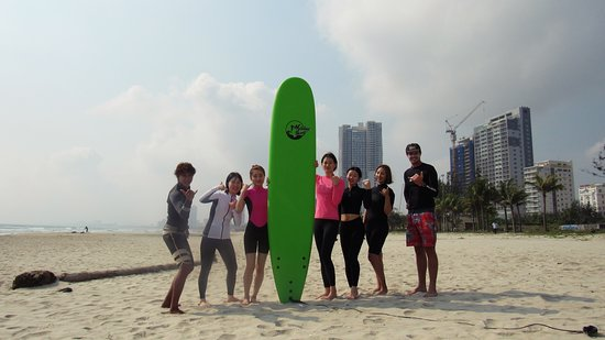 Holiday Surf Shcool in Da Nang