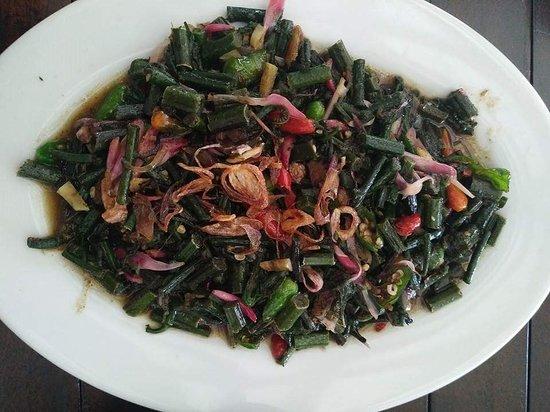 Resto Ikan Dewa: Sayur pakiiiiiis