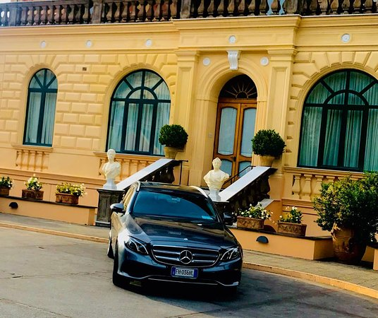 Star Cars Luxury Private Tours