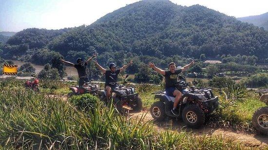 Chiang Rai, Thajsko: The aqua journey (Riding along the mountain, forest, river)