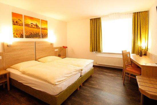 Hassmersheim, Germany: gemütliche doppelzimmer