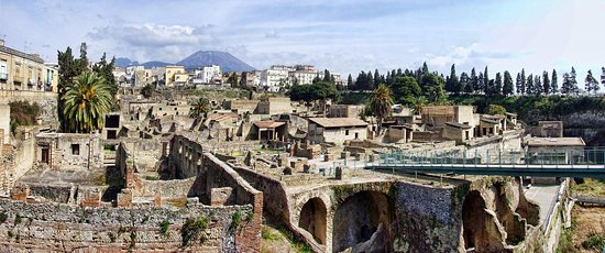 Campania Visits and Tours