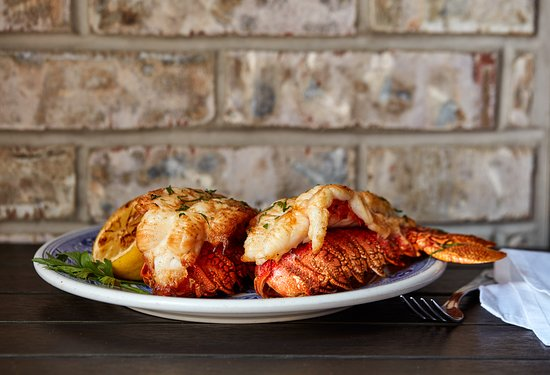 Blue Bell Inn: Lobster tail duo - cannot resist!