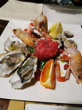 Trattoria Al Gazzettino: Antipasto crudo di pesce, buono.