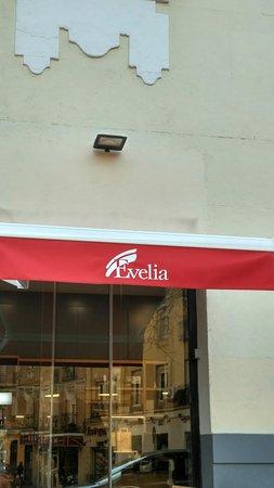 Pasteleria Evelia: Fachada y terraza, Pastelería Evelia