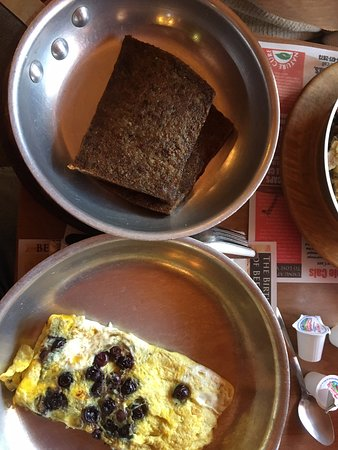 Swiftwater, PA: Blueberry omelette and scrapple both were excellent