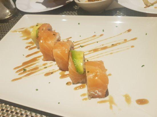 Juma sushi bar & restaurant: Juma roll