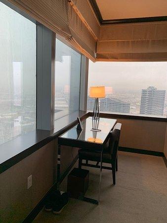 Vdara Hotel & Spa at ARIA Las Vegas: Desk area