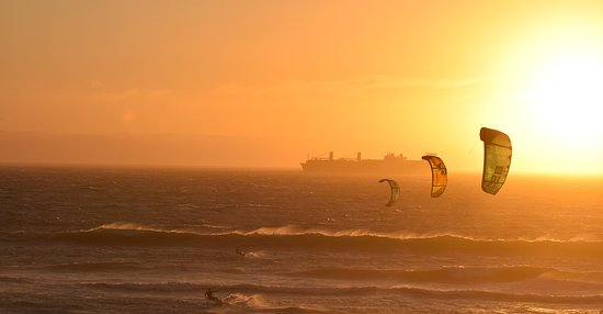 Lomma, Sweden: Take a course in kitesurfing and you'll be stoked for life!