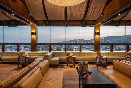 Dream Hollywood: The Highlight Room Lounge