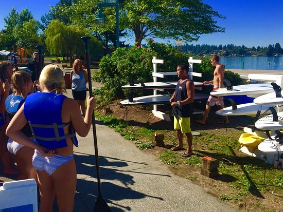 Kirkland, WA: More tips & techniques before putting you on the paddle board.