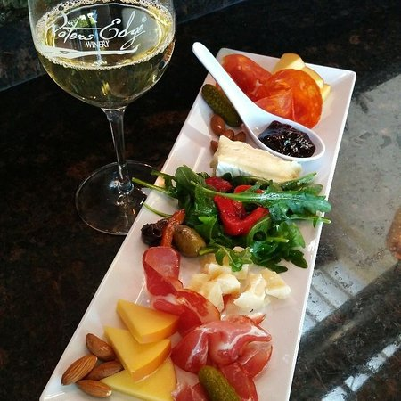 Waters Edge Winery & Bistro: Charcuterie from the Bistro